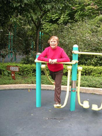 439573874_8b6e38fdb1_m.jpg-playground