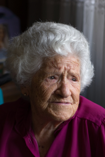 older_woman_in_pain