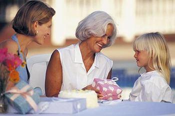 giving-gift-to-grandma