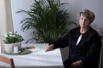 Choosing between spouse and elderly parent