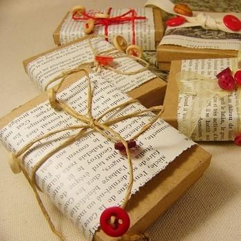 eco gift wrap DIY - as seen on Design Sponge!